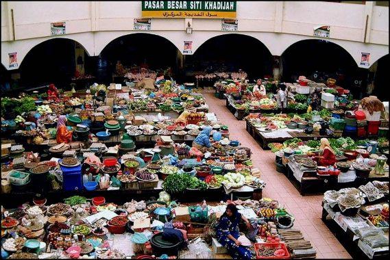 Pasar Besar Siti Khadijah (warna-warni-malaysia.blogspot.com)