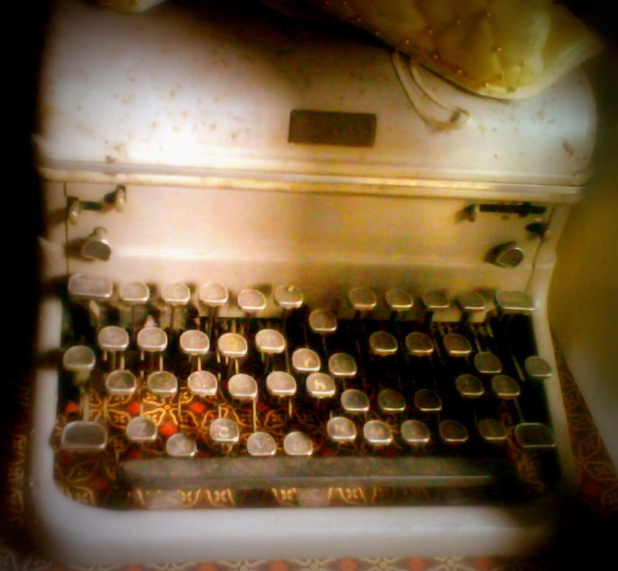 THE OLD TYPEWRITTER