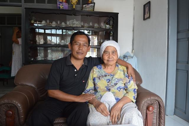 Pak Alit Supriyatna dengan Sang Bunda (dok.cech)