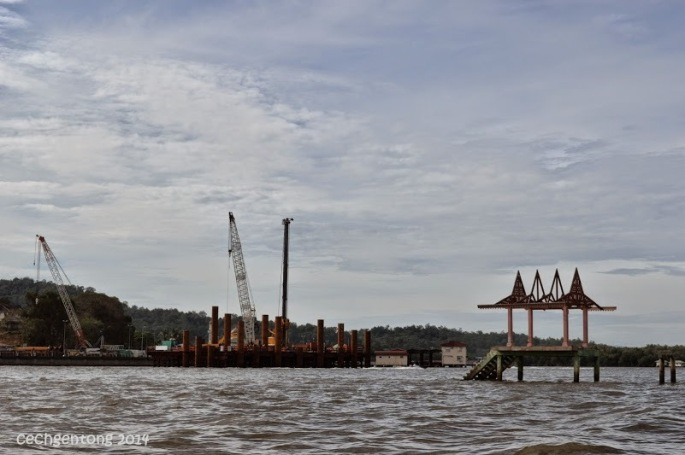Pembangunan jembatan terpanjang di Brunei Darussalam yang menghubungkan Bandar Seri Begawan dengan wilayah Limbang