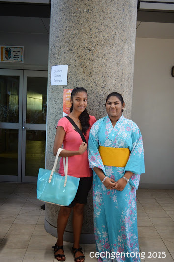 Berfoto dengan kimono