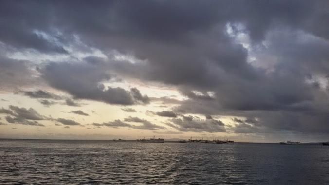 Indahnya pemandangan laut menjelang senja di King Wharf, Suva, 27 Maret 2015 (dok.cech)