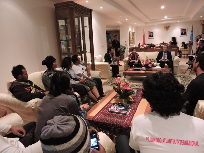 Suasana dialog dengan para ABK Indonesia di Wisma Duta (dok. Cech)